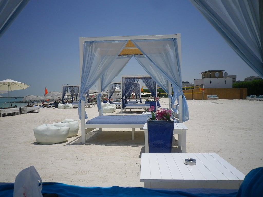 Yas Public Beach 的形象. abudhabi unitedarabemirates