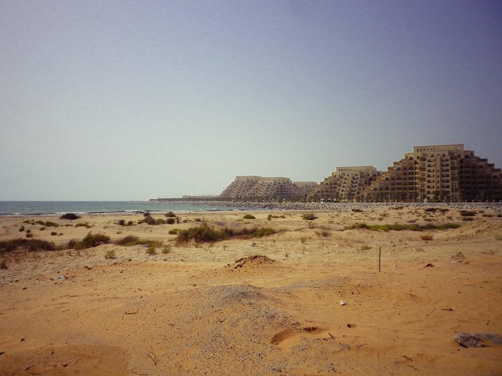 תמונה של Private Beach. unitedarabemirates rasalkhaimah