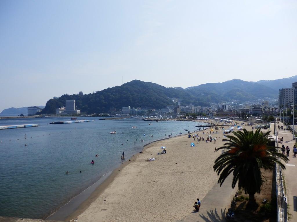 Hình ảnh của サンビーチ. sea beach japan shizuoka izu atami ビーチ 砂浜 shizuokaprefecture 海水浴場 atamisunbeach izuphoto