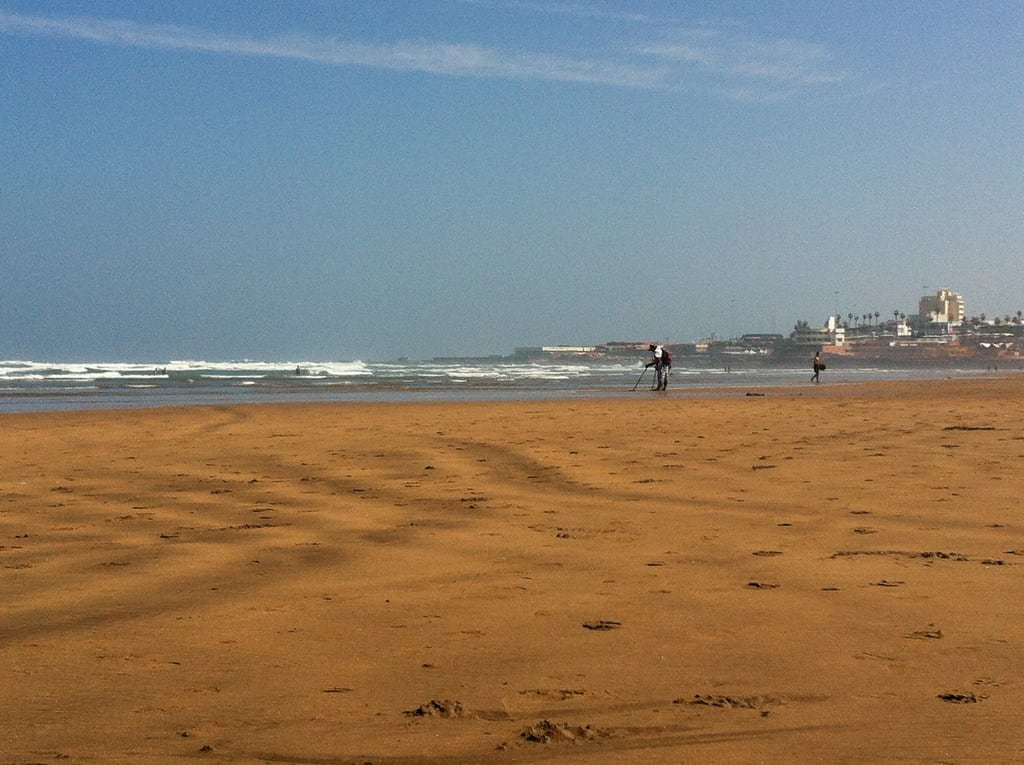 Imagine de Locaux 23 Beach Plaja cu o lungime de 2452 m. beach morocco casablanca aindiab
