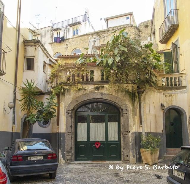 Изображение Palazzo dei Duchi di Casamassima. italy campania napoli nuovi duchi banchi casamassima
