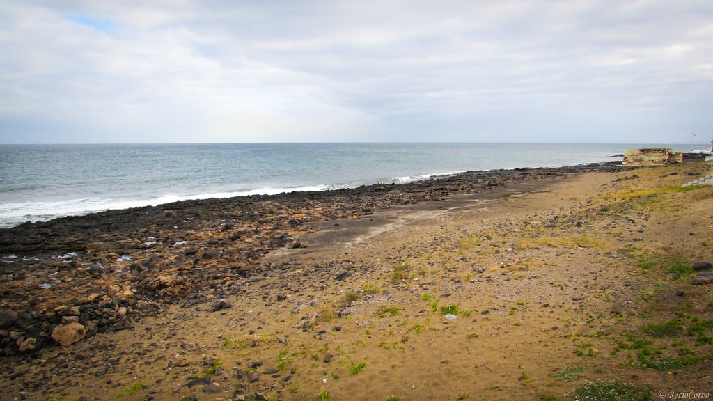 תמונה של Playa De Guacimeta חוף באורך של מטר 1447. sea costa beach mar seaside lanzarote playa canarias shore canary seashore canaryislands playahonda orilladelmar