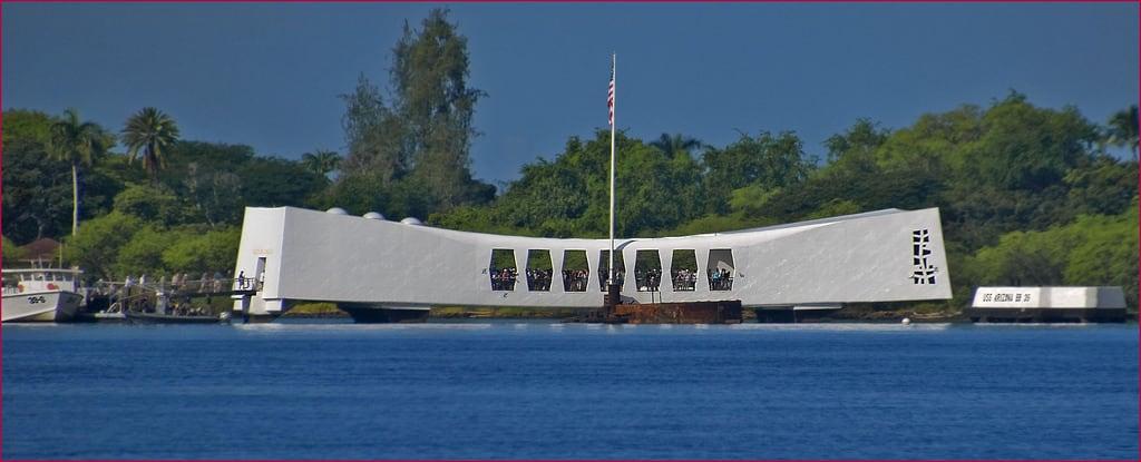 Image de USS Arizona près de 'Aiea. ussarizona ussarizonamemorial oahuhi hawaiihi ussarizonabb39 roncogswell pearlharborhi ussarizonamemorialpearlharborhi ussarizonamemorialatpearlharboroahuhi ussarizonamemorialhi pearlharboroahuhi ussarizonabb39memorialatpearlharboroahuhi