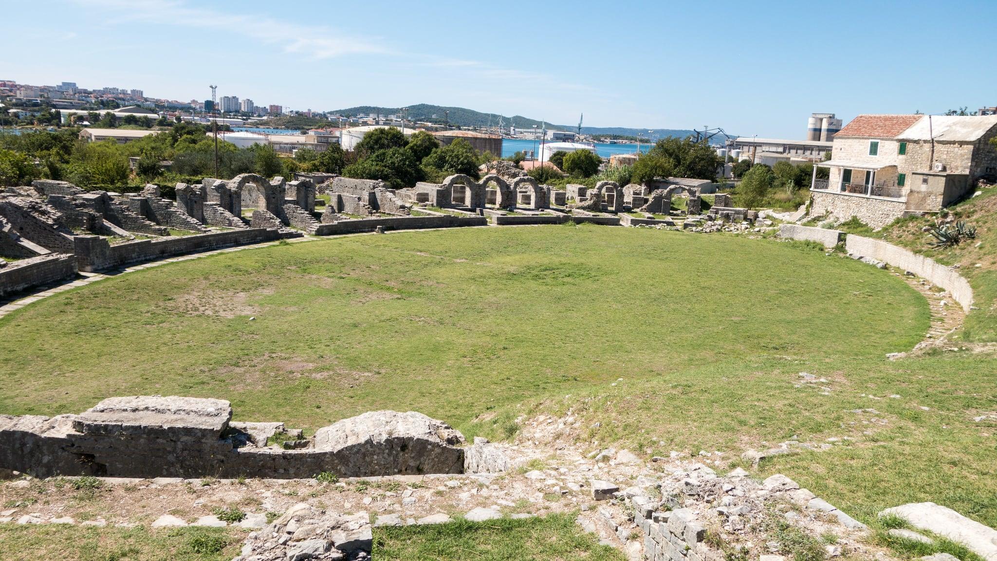 Image of Salona amphitheater. archaeology croatia croatie archéologie salona solins salonaantica