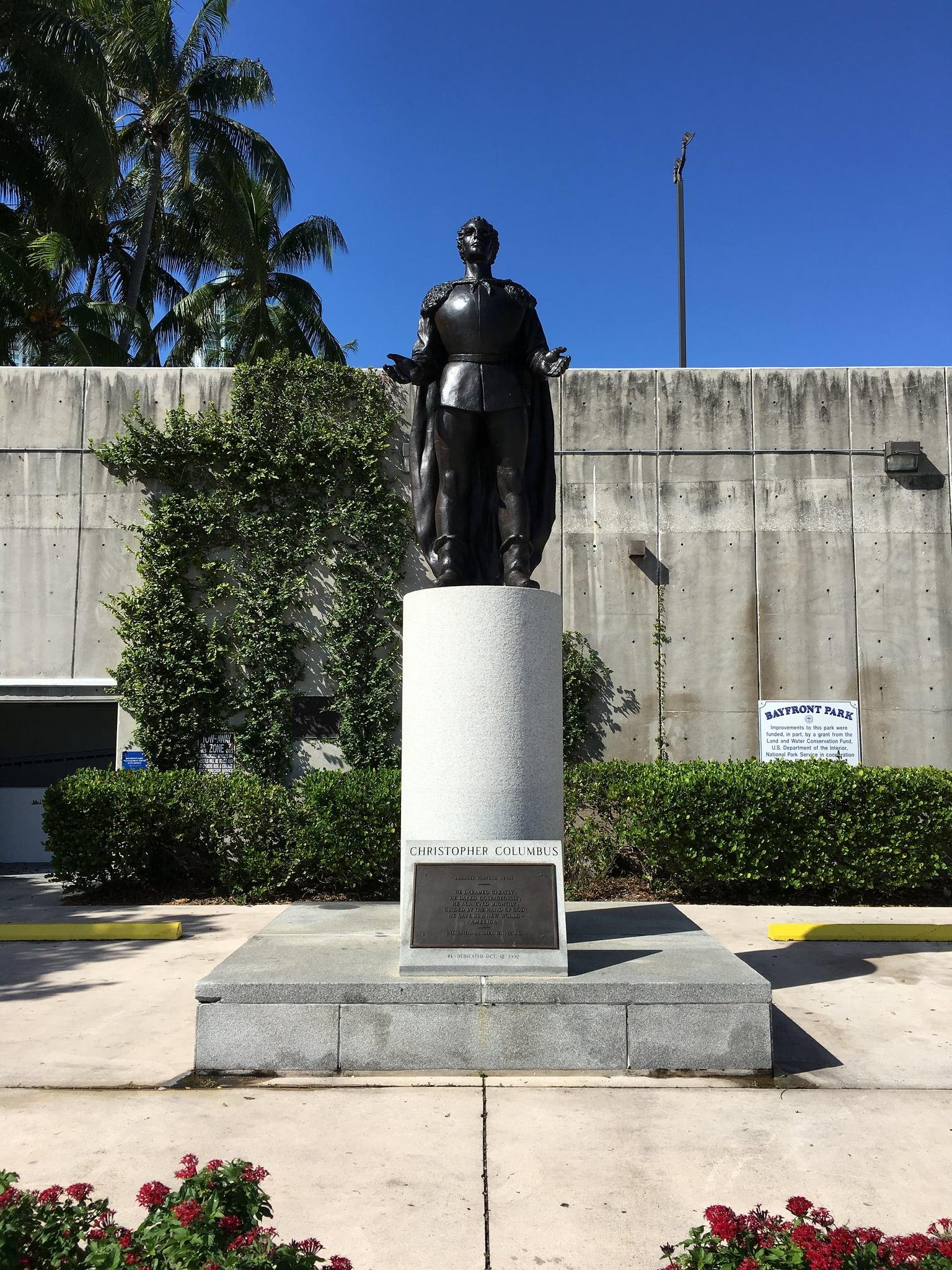 Columbus 의 이미지. park columbus statue christopher bayfront