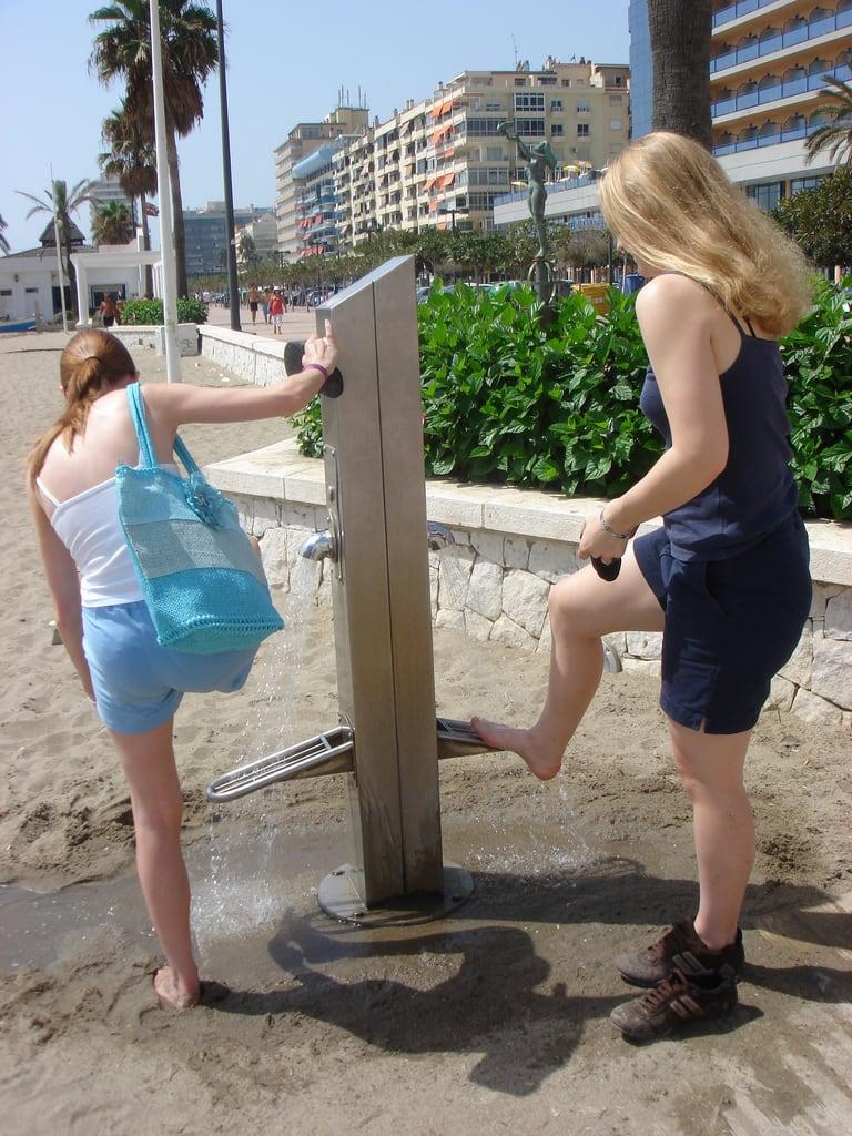 Kuva Playa de los Boliches. beach water spain tap fuengirola jopage suzietoomey