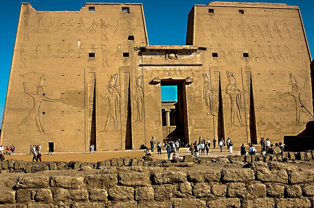 Изображение на Temple of Horus. ralfstamm ägypten 2004 adfo aswangovernorate eg