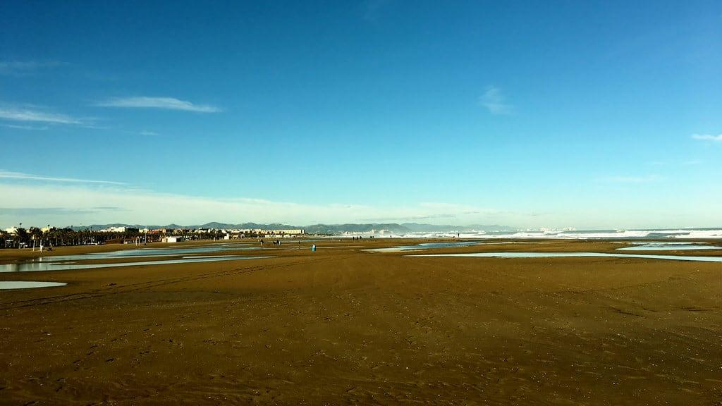 Attēls no Platja del Cabanyal - Les Arenes pie Valencia. spain december valencia beach playadelcabanyal