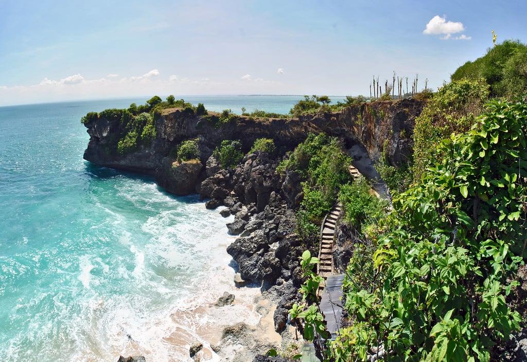 Εικόνα από Balangan Beach. bali cliff beach pantai tebing