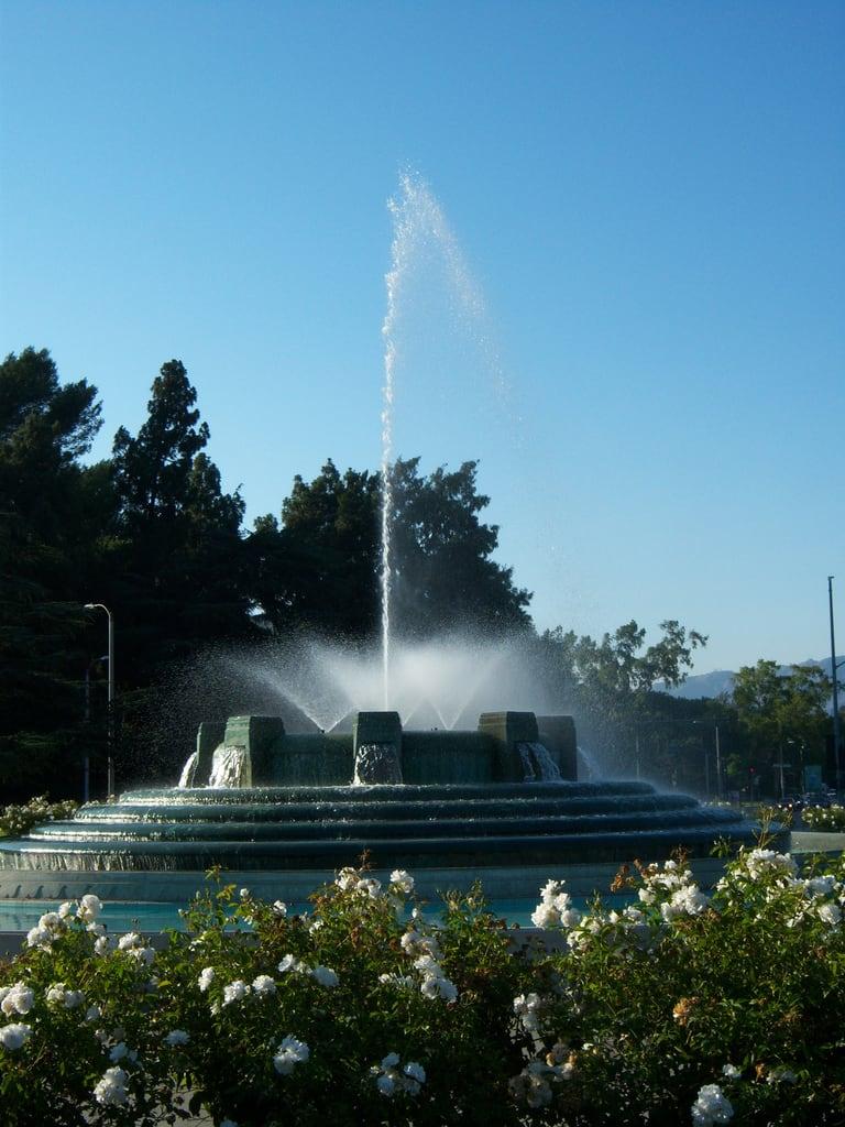 Изображение William Mulholland Memorial. ca fountain losangeles memorial griffithpark williamhulholland