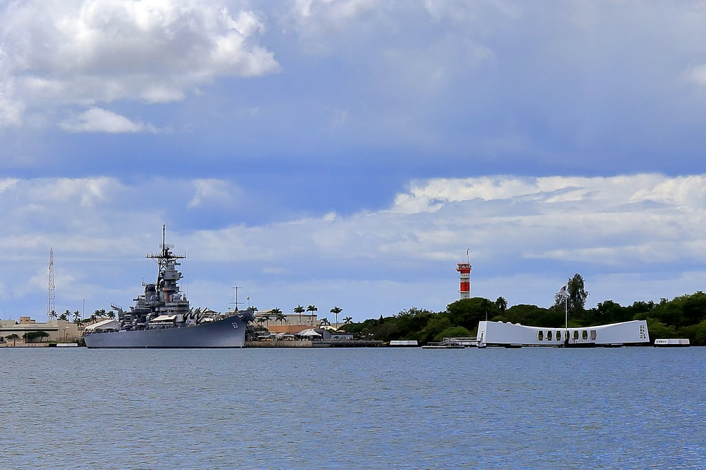 Εικόνα από Submarine Memorial. pearlharbor hawaii military navy airforce nationalmemorial memorial ussarizona battleship wwii worldwarii attack japanese usa historical dayofinfamy