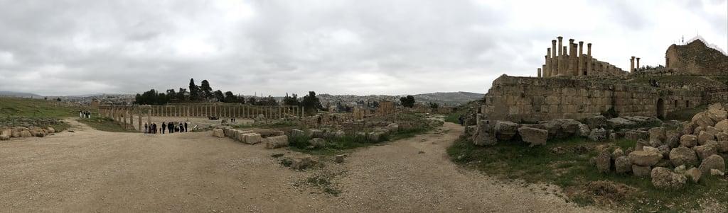 Temple of Zeus की छवि. jordan jerash ovalforum templeofzeus panorama roman