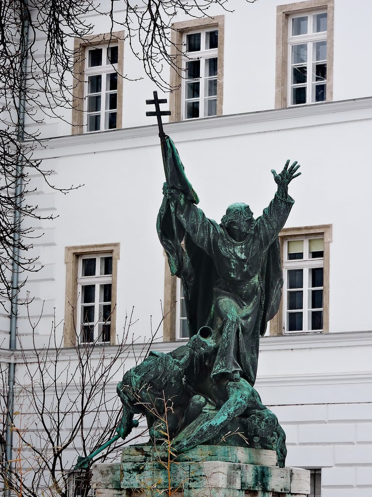 Image of Kapisztrán. budapest ブダペスト βουδαπέστη sculpture statue