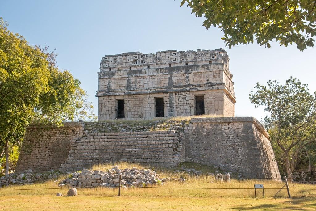 תמונה של Chichen Itzá ליד San Felipe Nuevo. 2017 mexico yucatan january winter mayan chichenitza ruins mexique estadosunidosmexicanos redhouse casacolorada mexiko 墨西哥