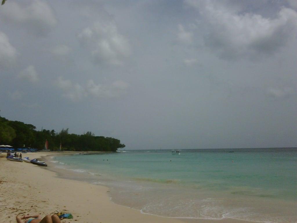 Sandy Lane Beach képe.