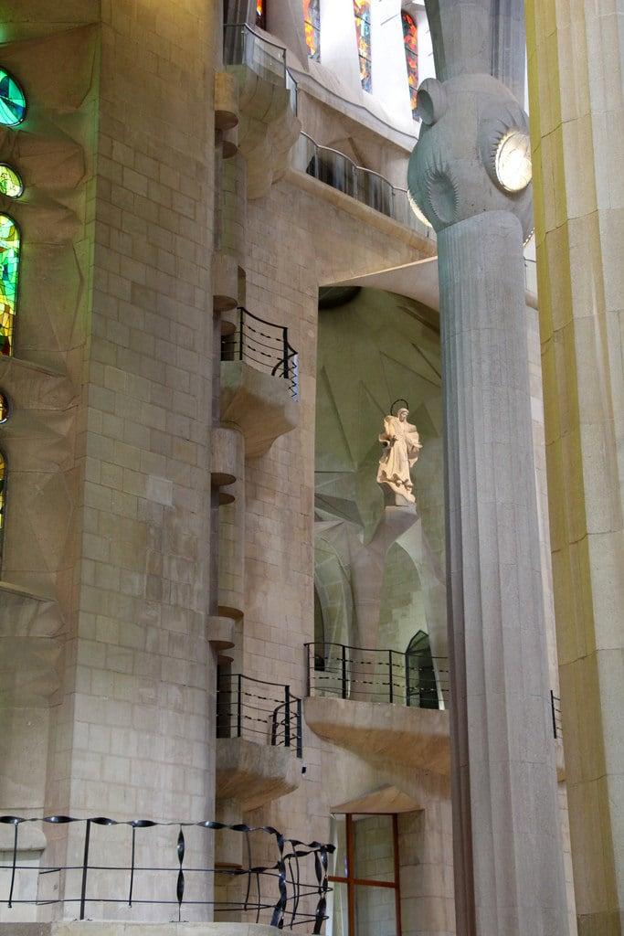 Basilica de la Sagrada Família जवळ Gràcia की छवि. barcelona barcelone barcellona catalunya cataluña catalonia catalogne katalánsko catalonien katalonien catalogna catalonië katalonia catalunha espagne spain španělsko spanien españa spagna spanje spania hiszpania espanha may2017 architecture antonigaudí gaudí gaudi modernismecatalan catalanmodernism modernismocatalán artnouveau
