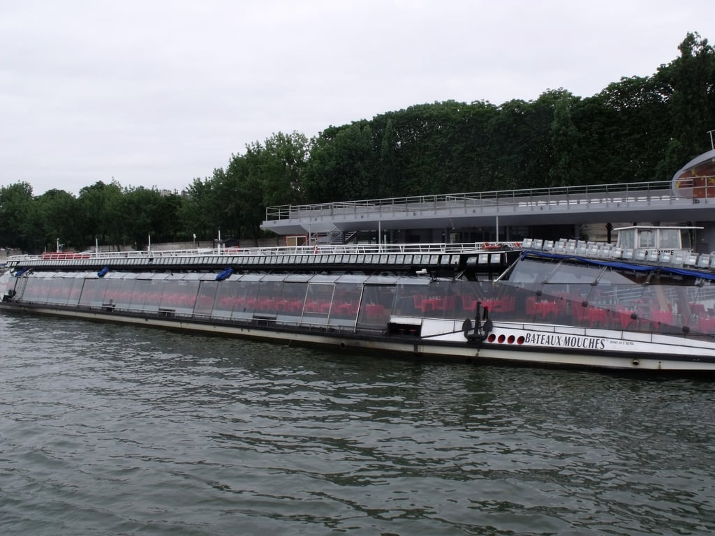 Bateaux-Mouches 的形象. paris france boat boattrip iledefrance bateauxmouches riverseine rivercruise
