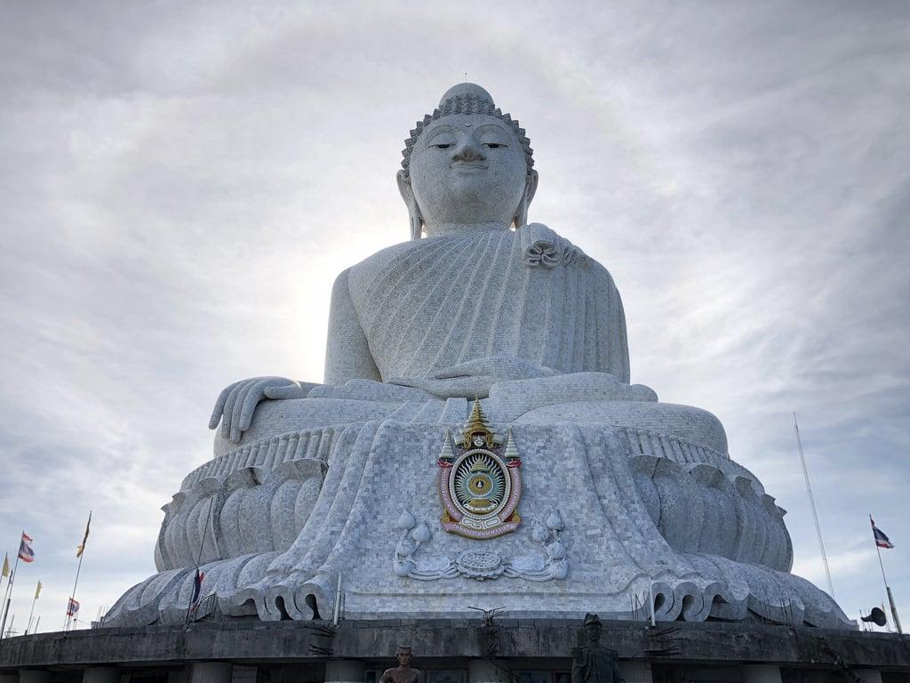 תמונה של Phuket Big Buddha. buddha buddhist religion phuket thailand big stone granite tile thailandia hill halo