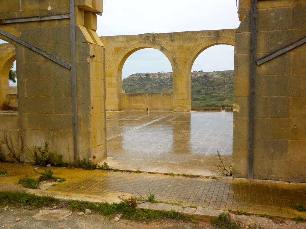 Immagine di Roman Remains. ruins malta prehistory