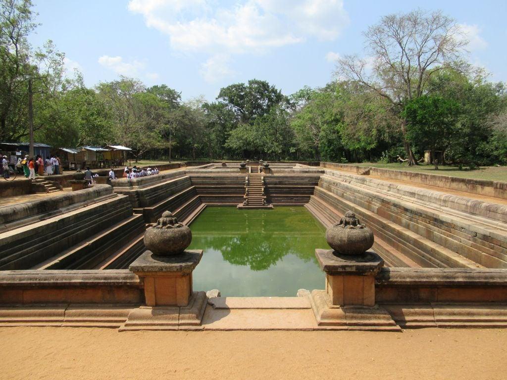Εικόνα από Kuttam Pokuna. kuttampokuna twinponds anuradhapura srilanka