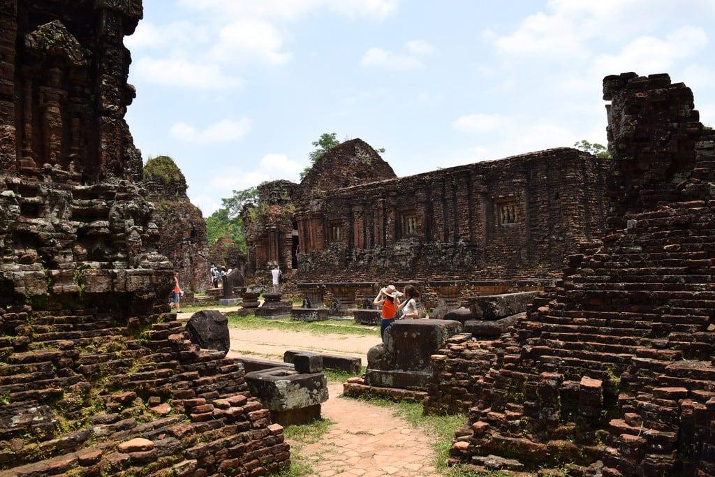 Imagine de Mỹ Sơn Ruins. vietnam hoian ruins myson