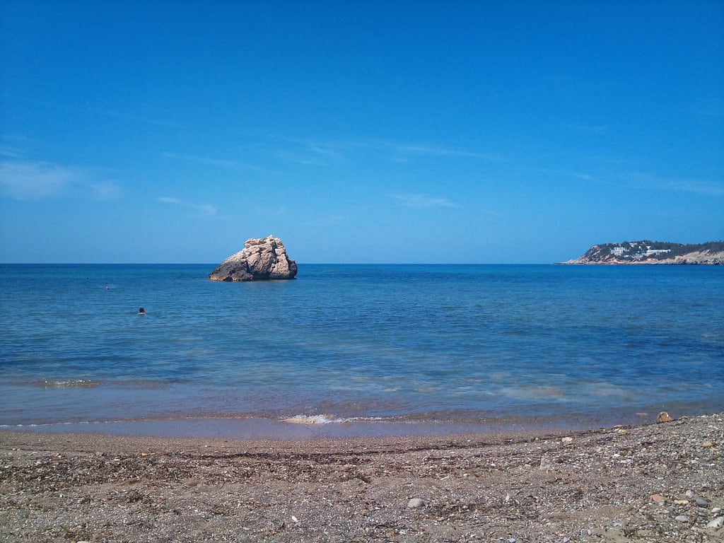 Imagem de Cala Xarraca perto de Sant Joan de Labritja. sea holiday beach ibiza 2010
