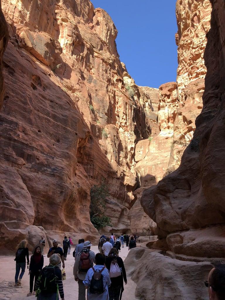 Petra जवळ पेत्रा की छवि. jordan petra siq