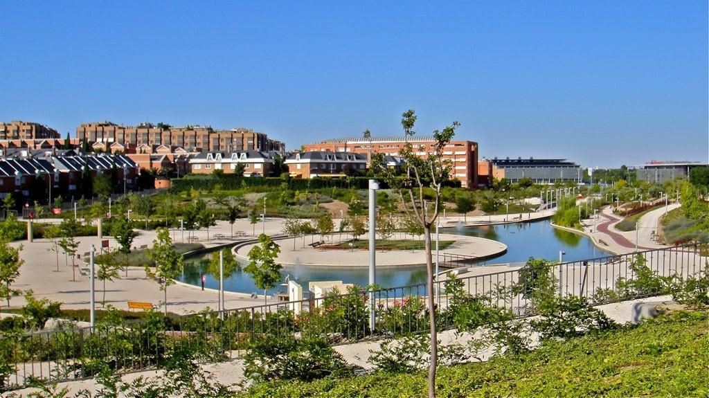 Juan Pablo II 的形象. madrid park parque españa lake lago spain view artificial vistas juanpabloii