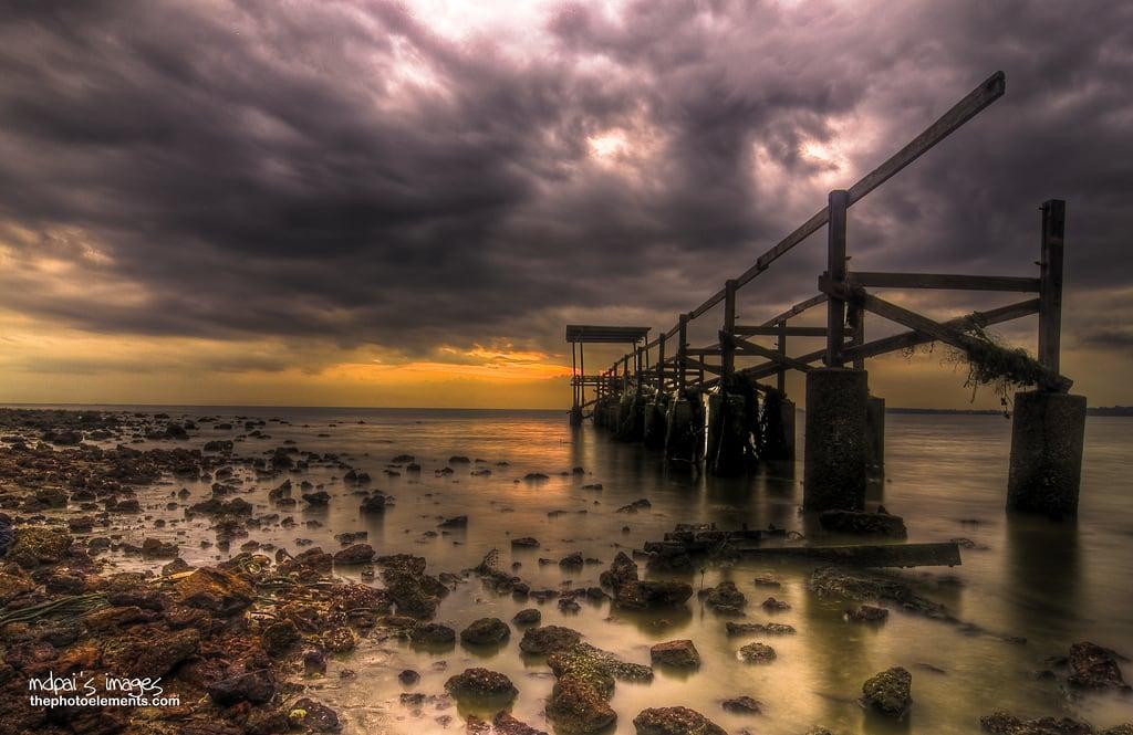 Pantai Biru, Permaisuri Blue Lagoon képe. bridge sunset beach nikon slow shutter pasirpanjang negerisembilan flickraward unbridged mdpai