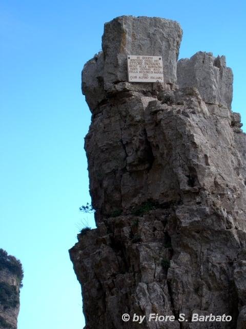 Il Pinnacolo 的形象. italy trekking campania positano sentiero costiera penisola amalfitana escursionismo sentierodeglidei escursione sorrentina agerola sentieri