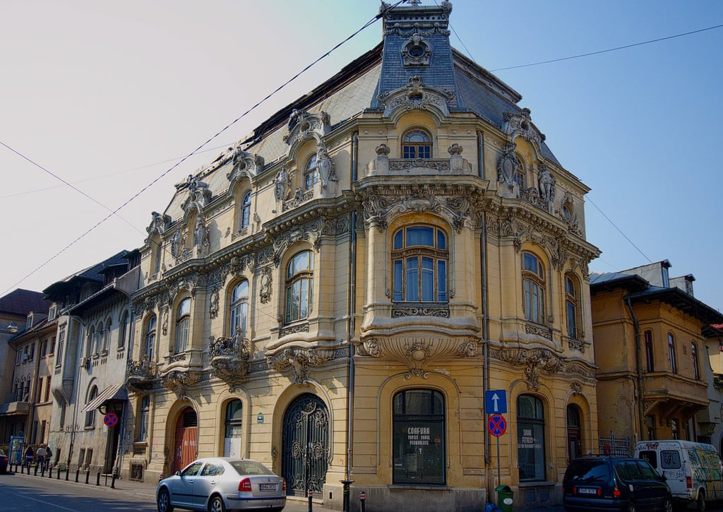 Image of Casa Mița Biciclista. building historic bucharest wikilovesmonuments lmibiima18146