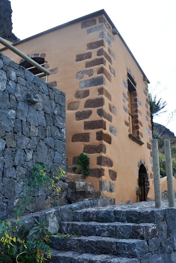 Molino de Gofio del Risco de las Pencas görüntü. edificio molino tenerife wiki bic diurna