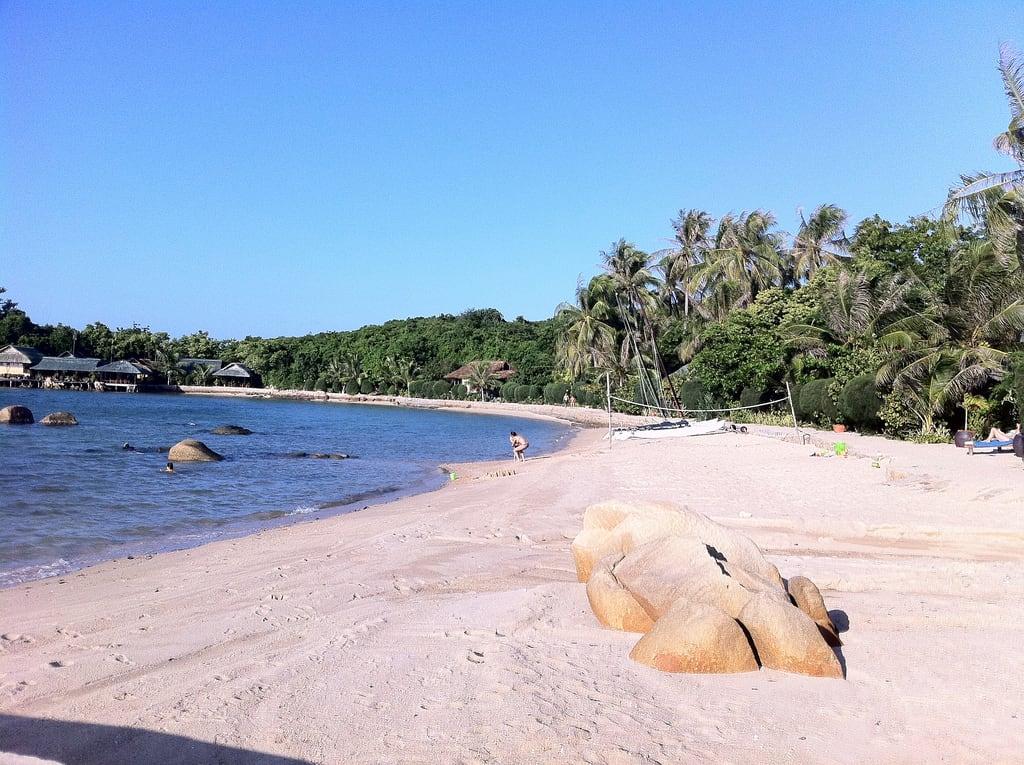 Obrázek Hon Ong (Ong Island), Van Phong Bay Pláž s délkou 113 metrů.