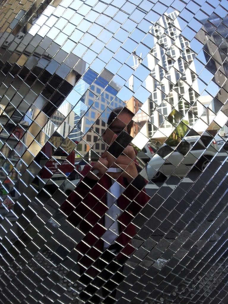 Bild von Joaquim Eugenio de Lima. street espelho sãopaulo celular público rua reflexo telefone orelhão paulista calçada avenidapaulista flickrandroidapp:filter=none