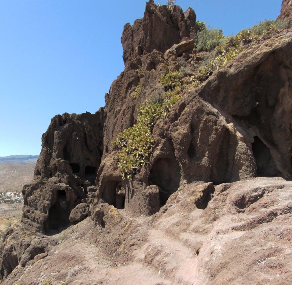 תמונה של Cueva de los Pilares. panorama archaeology grancanaria arqueologia arqueología telde yacimiento cuatropuertas wikilovesmonuments bicri550000080 cuevadelospilares