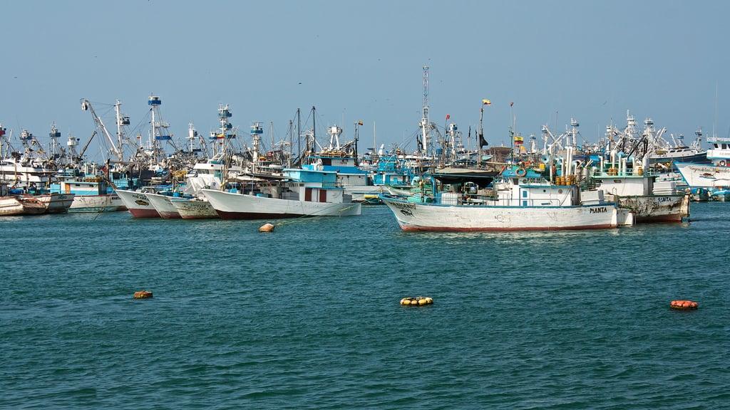 Image of To the fisherman.. boat ecuador fishing ship harbour manta