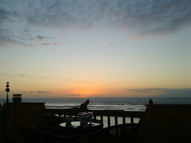 Playa del Búnker görüntü. city sunset sky sunlight reflection beach nature water silhouette skyline bar clouds fence coast twilight spain scenery europe shadows sundown dusk horizon