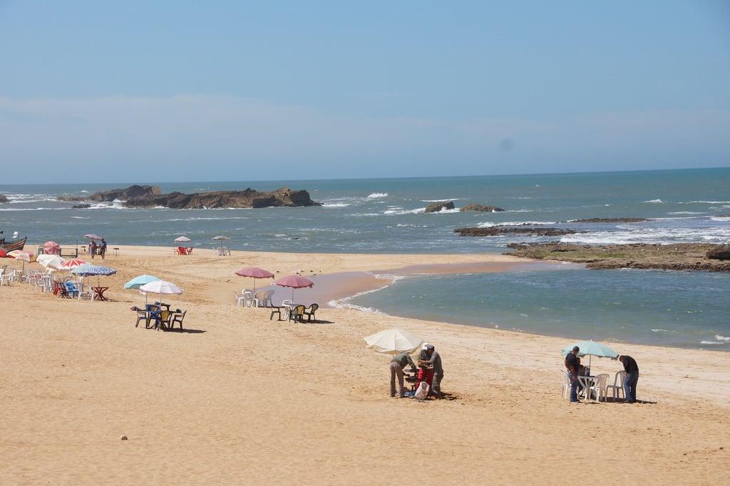 ภาพของ oualidia beach ชายหาด มีความยาว 1689 เมตร.