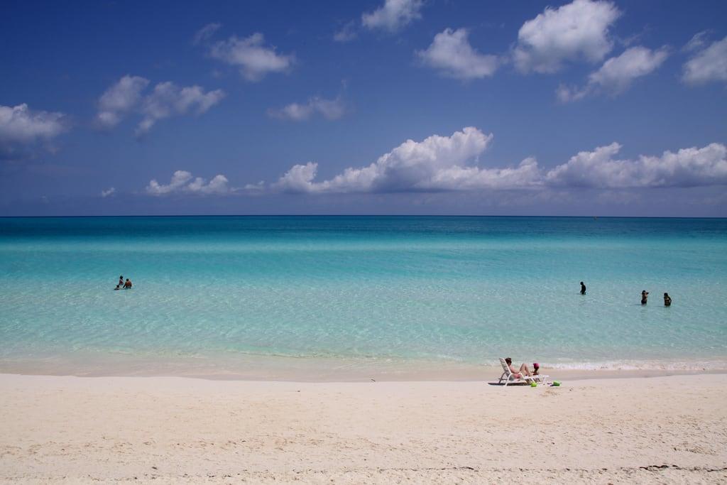 Immagine di Spiaggia sabbiosa. sea summer sun beach sand paradise cuba playa santamaria cayo caribe caribean samtaclara