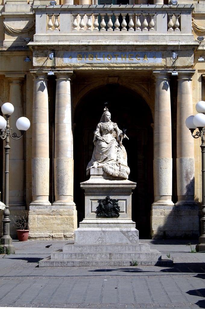 Immagine di Queen Victoria. mediterranean malta republicofmalta