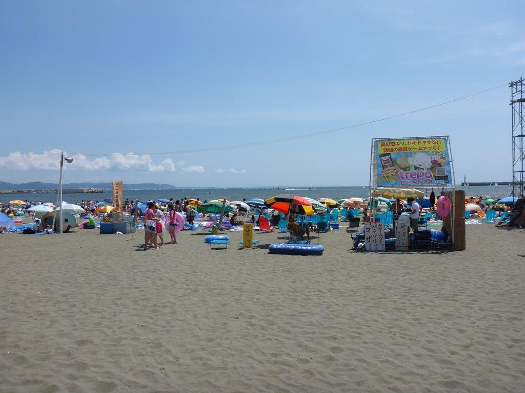Hình ảnh của Katase Higashihama Beach (片瀬東浜海水浴場) Katase Higashihama beach.